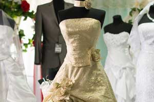 REPORTS OF BRIDAL GOWNS / HAUTE COUTURE